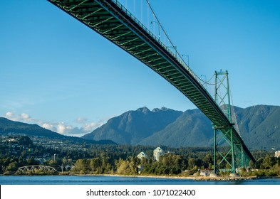 The Lions Gate Bridge seen from the Vancouver side