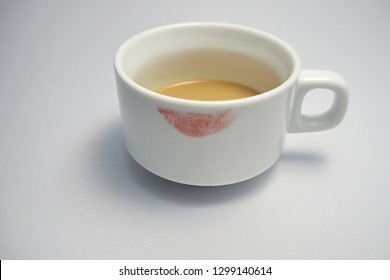 Lipstick on Coffee cup (Photo)