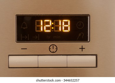 Liquid crystal display and control buttons on the electric oven