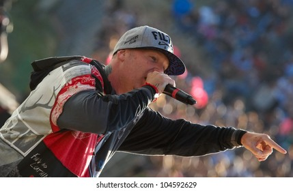 LISBON, PORTUGAL - MAY 26:  Limp Bizkit performing on stage in day 2 of Rock in Rio Lisboa May 26, 2012 in Lisbon, Portugal