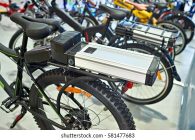 Lithium-ion battery on the bike luggage carrier