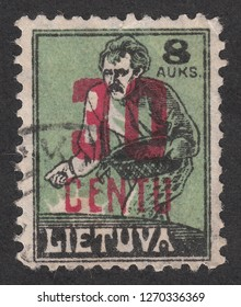 LITHUANIA - CIRCA 1922: A stamp printed by Lithuania, shows Sower.Overprint in new currency, circa 1922