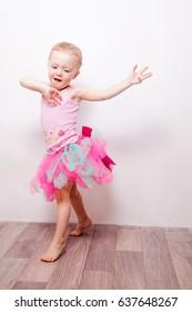 litle girl dance