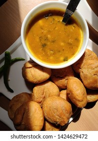 litti along with chikha an Indian dish, popular in indian states of bihar jharkhand and easter utter pradesh