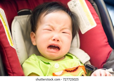 A little baby cry out so loud while he is sitting in the car seat. Baby does not want to sit in the car seat.