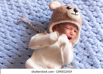 little baby crying, newborn colic