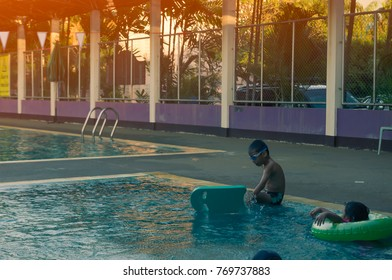Little boy be tried from swimming,Hrydo therapy for ADHD child