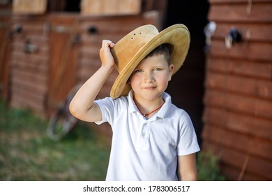 little boy with cowboy hat