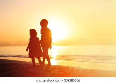 500 Boy And Girl Holding Hands Pictures Royalty Free Images