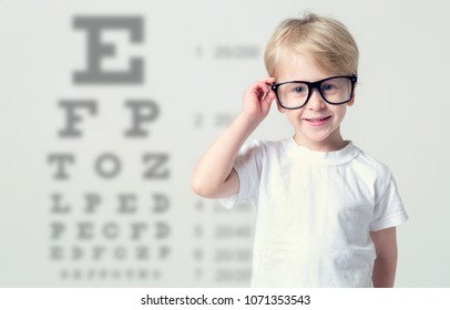 Pediatric Ophthalmology Stock Photos, Images & Photography