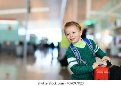 little boy travel in the airport