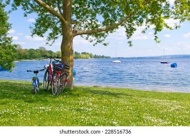 Little break on lake Bodensee during family biking excursion