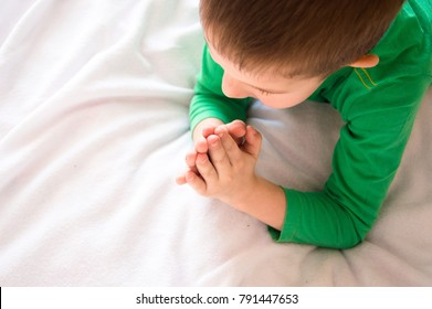 little child pray