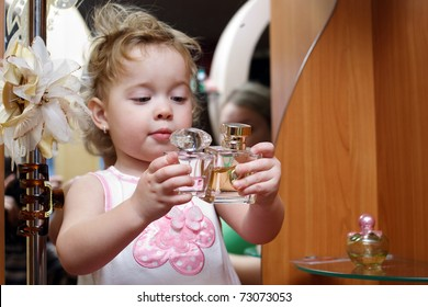 Children Perfume Images Stock Photos Vectors Shutterstock