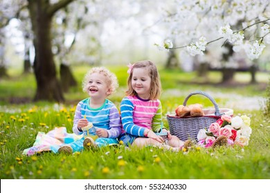b17ce4950200 children picnic Images