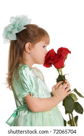 The little girl with a bouquet of roses