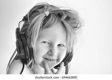 Little girl discovers the joy of music