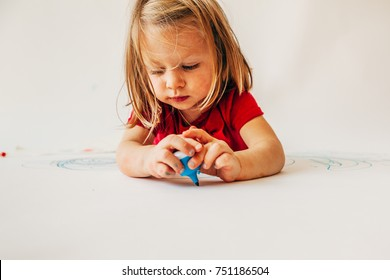 a little girl drawn with pencils