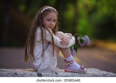 little girl dreams of summer