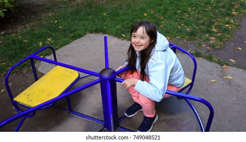 Little girl enjoy in the park