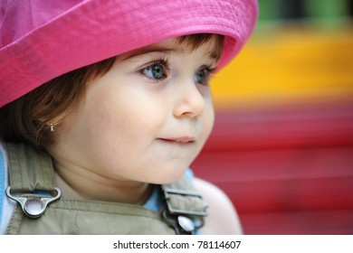 Little girl with pink hat