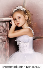 Little girl in wedding dress