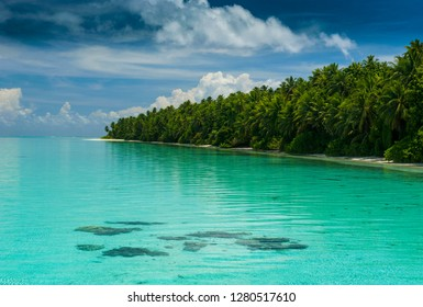 Little islet and turquoise water in the Ant Atoll, Pohnpei, Micronesia