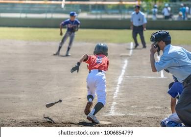 リトルリーグの野球試合