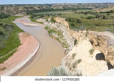 The Little Missouri River in the Theodore Roosevelt National Park, North Dakota, USA.