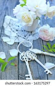 little roses and keys