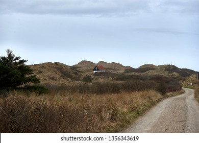 Little summerhouse in the middel of the dunes of the north sea