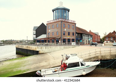 LITTLEHAMPTON, ENGLAND - OCT, 9: The lighthouse shape cafe building among the late afternoon atmosphere background scene on October 9, 2015 in Littlehampton West Sussex England.