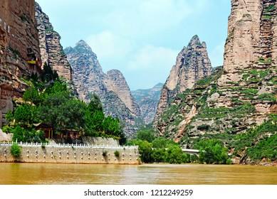 Liuijiaxia Reservoir Canyon Binglin Si Buddhist Temple - Lanzhou Gansu - China