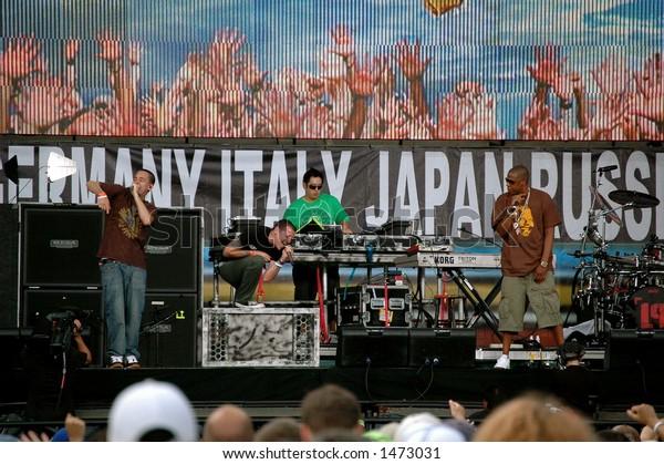 Live 8 Philadelphia Concert Linkin Park with Jay-Z