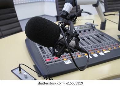 Live broadcasting on radio stations.
