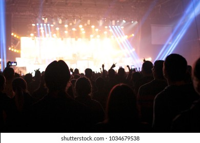 Live concert Epidemic crowd people
