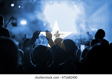 live music concert with blending Somalia  flag on fans