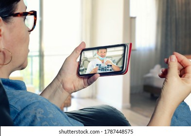 A lively consultation of upcoming dental surgery using a telemedicine application on a mobile phone
