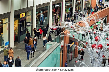 LIVERPOOL UK, 13th NOVEMBER 2016. People Christmas shopping at the Liverpool One Complex in Liverpool city center.