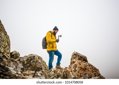 living conditions of man in mountain