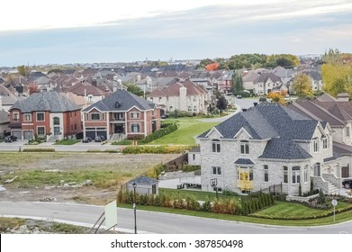 Living homes in Canada