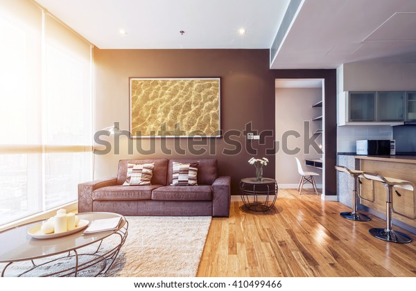 Woonkamer Met Groot Raam Interieur Grote Foto Op Bruine Muur