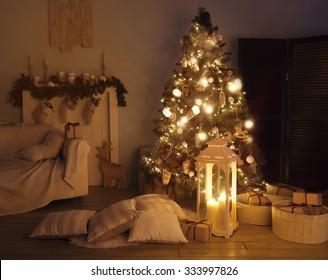 living room with a Christmas tree