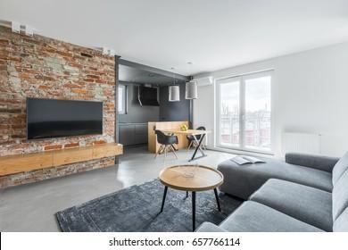 sala de estar gris collonade Fotos Imgenes Y Otros Productos Fotogrficos De Stock