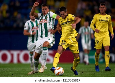 Llambrich of Villarreal  and Schwab of Rap Wien battle for the ball during the match of the Europa League between Villarreal CF and Rapid Wien at La Ceramica Stadium Villarreal, Spain on 2018