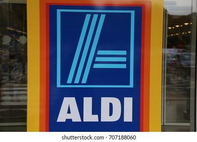 Llangollen, Denbighshire, Wales, UK.  30 August 2017. Aldi Store Sign.