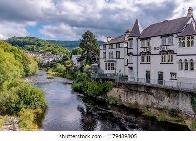 LLANGOLLEN, UNITED KINGDOM - SEPTEMBER 04: Traditional British architecture along the river Dee in the old town of Llangollen on September 04, 2018 in Llangollen