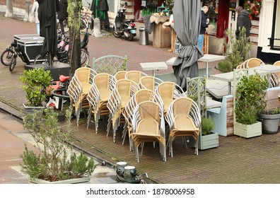 llLeiden, The Netherlands - December 14, 2020: Empty terraces in Leiden during the lockdown in the Netherlands in connection with covid-19