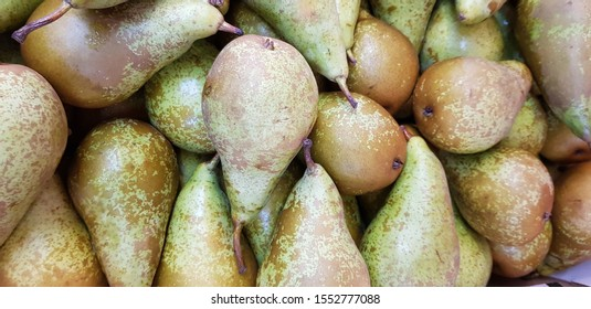 A load of Pears, is that a cluster !!  another background image of fruit.