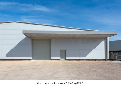 Loading door of a warehouse